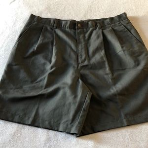 NEW CLAIBORNE GREEN MEN SHORTS